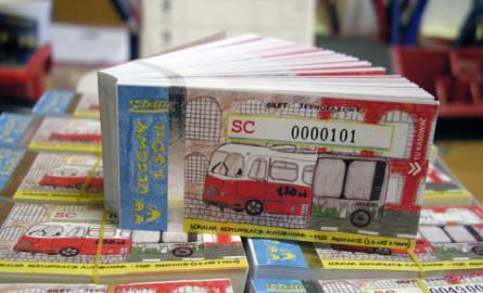 Tak wyglądają pabianickie bilety za 1,30 zł, które można kasować w autobusach. Do dystrybucji trafiło 50 tys. takich biletów