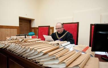 Sędzia Daniel Żegunia dwie godziny odczytywał wyrok, ponieważ w sprawie występuje 1200 pokrzywdzonych osób, które skorzystały z usług Multikasy.