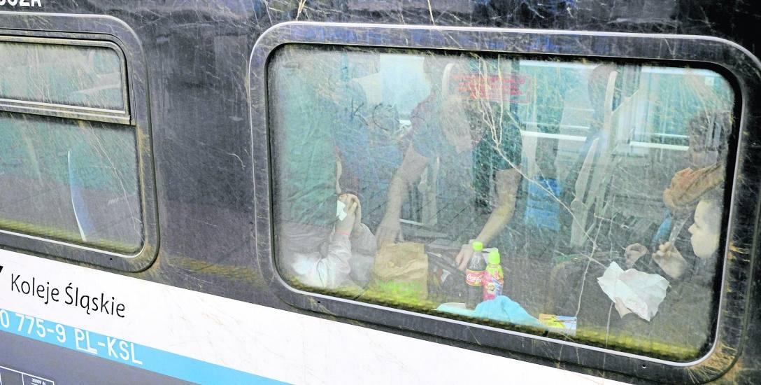 Nowoczesne pociągi Kolei Śląskich są brudne. Spółka dysponuje myjnią ręczną, ale automatyczna jest dopiero w planach.