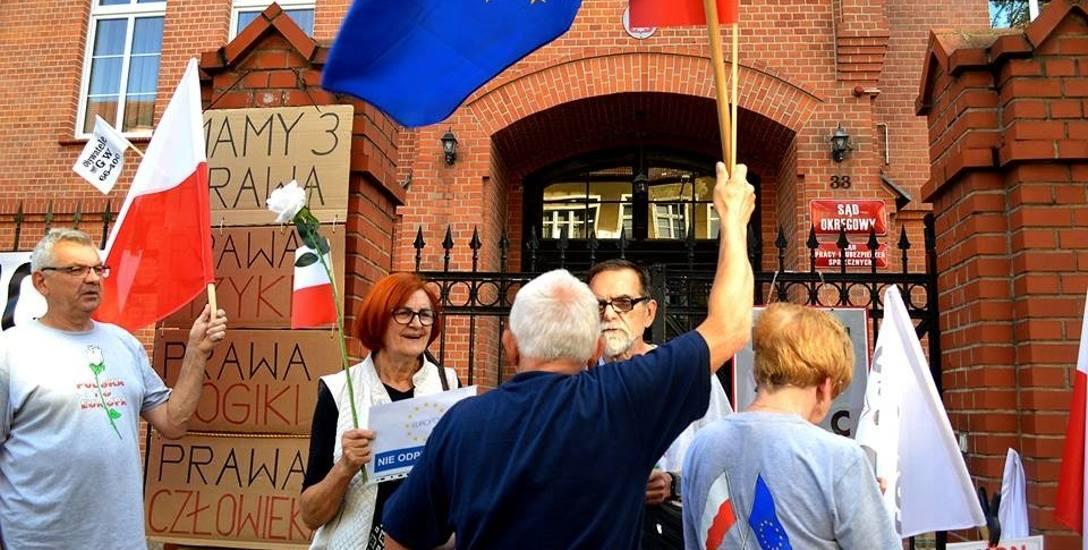 Pikiety przed sądem okręgowym przy ul. Mieszka I w Gorzowie Stowarzyszenie Obywatele GW 66-400 urządzało od 2 lipca