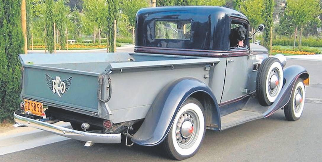 """REO Speedwagon (tu wersja 6AP z roku 1936) stał się prekursorem wielkich amerykańskich pikapów, które uwielbiają """"prawdziwi mężczyźni"""" zza Atlantyku"""