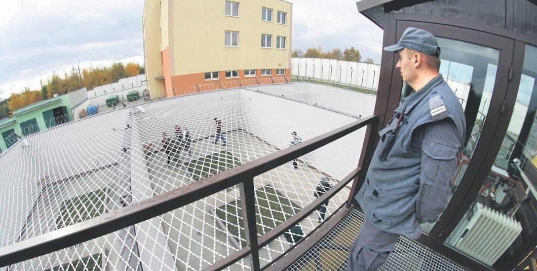 W strzelińskim zakładzie karnym przebywają mężczyźni odbywający karę po raz pierwszy. Może on pomieścić 805 osób