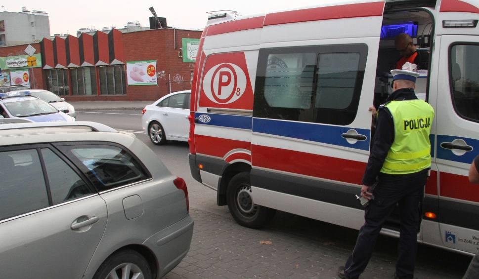 Film do artykułu: Wytoczył się z chodnika, uderzył w samochód w Tarnobrzegu