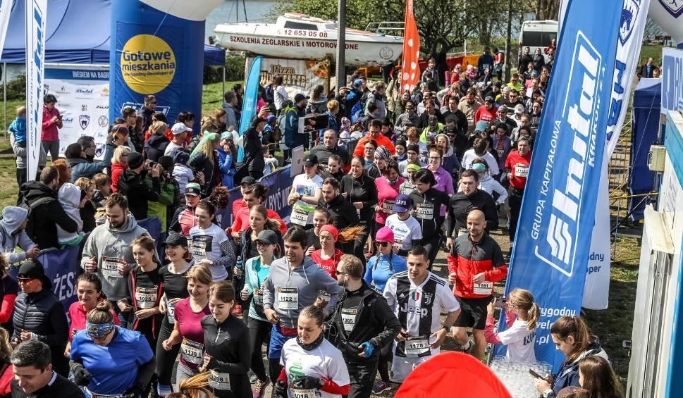 Film do artykułu: Biegiem Na Bagry 2019. Tłumy biegaczy rywalizowały w Krakowie [ZDJĘCIA]