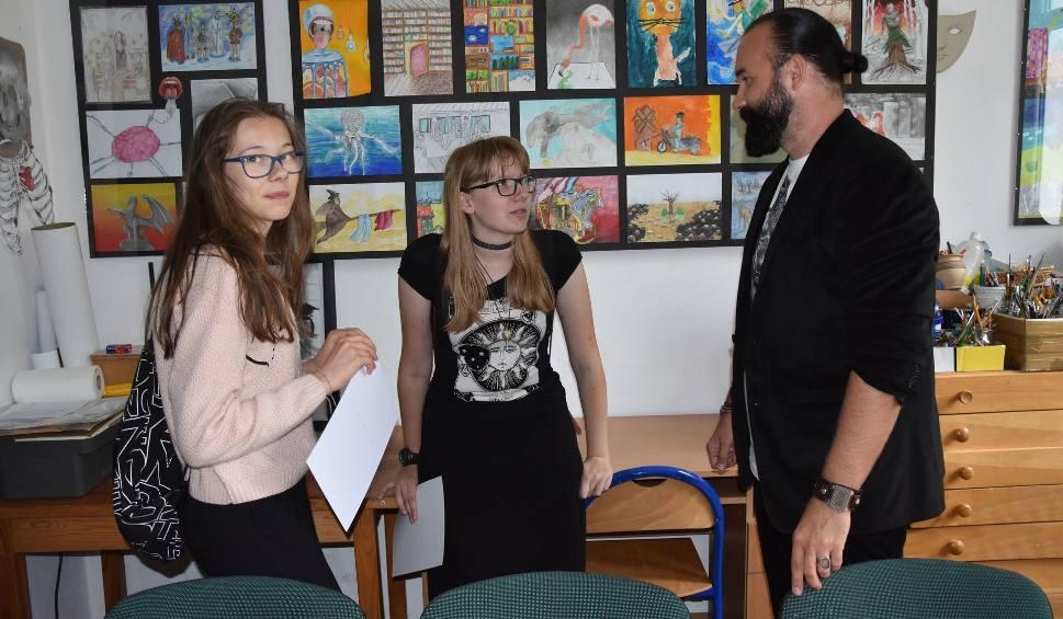 Film do artykułu: 30-lecie Ogniska Plastycznego w Starachowicach. W piątek wystawa