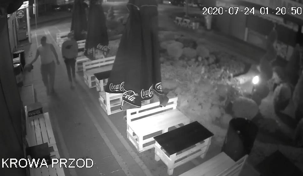 """Film do artykułu: Lokal w Pobierowie dwukrotnie zdewastowany. """"Te ataki nas wykończą"""". Jest nagroda. Zobacz WIDEO"""