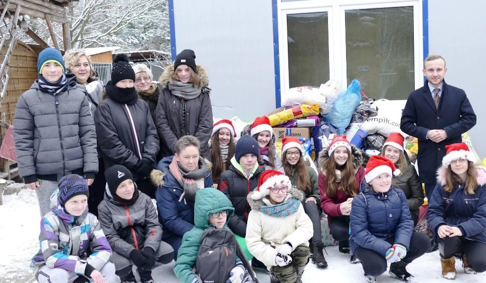 Film do artykułu: Dzieci z Miedzianej Góry zebrały karmę, koce i inne prezenty dla psów ze schroniska w Rytlowie