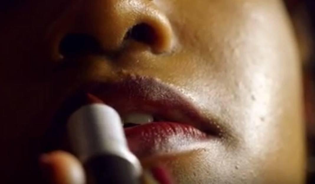 filmy o uzależnieniu od pornografii jak duży jest Drake Penis