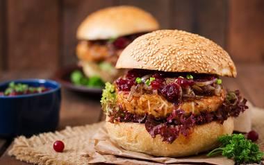 Domowy fast food. Jak zrobić domowe burgery? Historia hamburgerów [CIEKAWOSTKI, PRZEPISY]