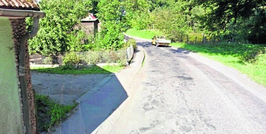 W 2012 r. droga w Czystej wyglądała tak. Teraz jest zmodernizowana, ale według naszego czytelnika bardziej niebezpieczna