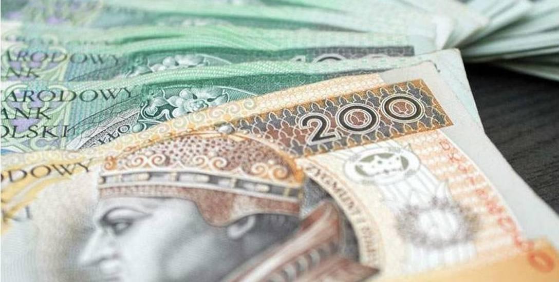 Ile zarobili radni z Przemyśla w 2017 roku? Sprawdzamy ich zarobki, biedy raczej nie klepią