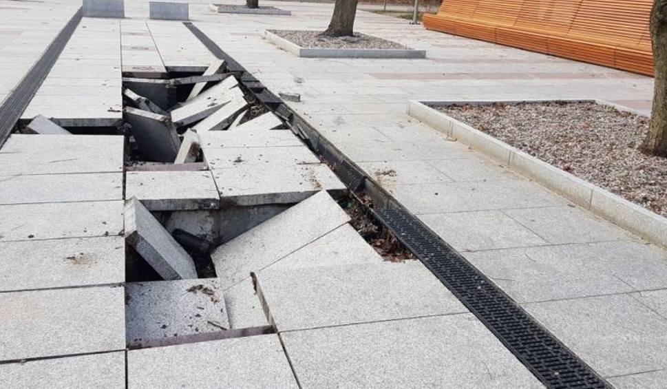 Film do artykułu: Kołobrzeska fontanna znowu uszkodzona. Trwa wycena zniszczeń. Sprawca się przyznał
