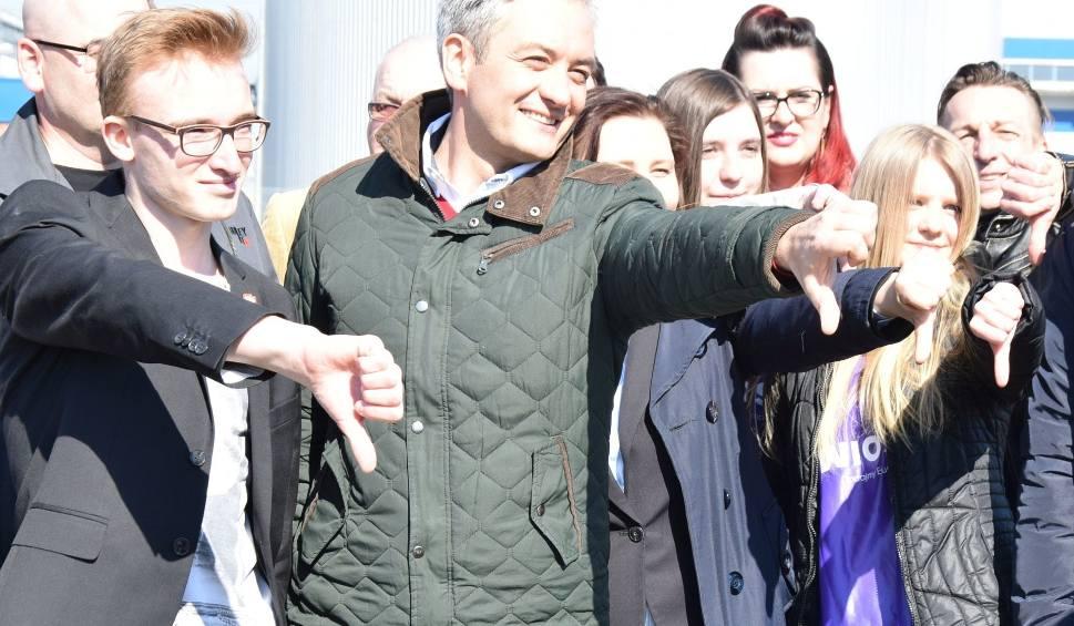 Film do artykułu: Biedroń w Ostrołęce: Zatrzymamy budowę elektrowni, stworzymy tu Instytut Zielonej Energii