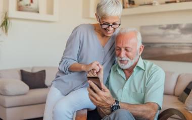 Darmowe szkolenia z obsługi smartfona dla seniorów