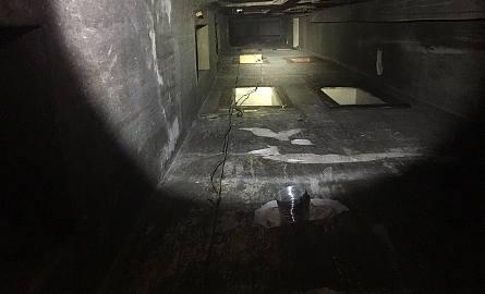 Mężczyzna spadł z 6. piętra do szybu wentylacyjnego. Nic poważnego mu się nie stało