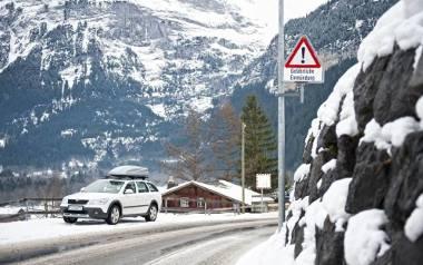 Wyjazd na narty. Jak bezpiecznie przewieźć sprzęt narciarski?