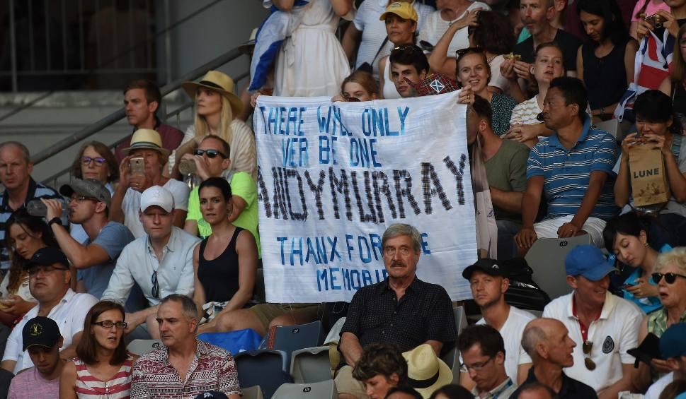 Film do artykułu: Australian Open. Andy Murray walczył jak lew, ale przegrał z bólem i Roberto Bautistą Agutem. Przykro zrobiło się nawet angielskim kibicom