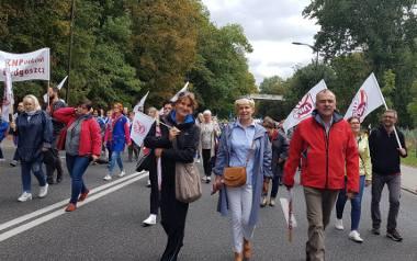 Nauczyciele zrzeszeni w ZNP wzięli udział w ogólnopolskiej manifestacji OPZZ, która odbyła się 22 września br. w Warszawie.