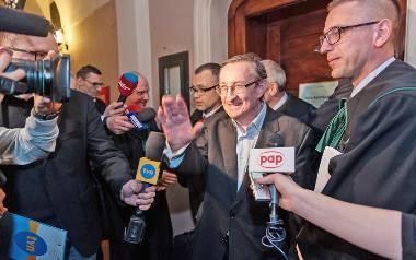 W zeszły czwartek, tuż po godz. 23, Józef Pinior odzyskał wolność. Poznański sąd nie zgodził się z tezą prokuratury, że są mocne dowody na korupcję