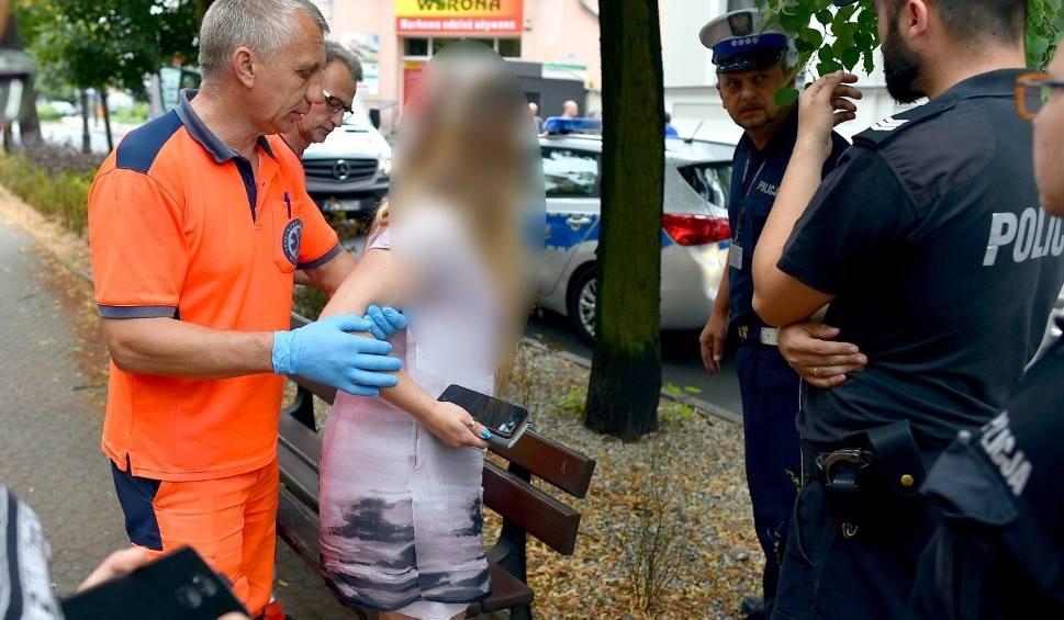 Film do artykułu: Leszno: Kierowca porsche, który pobił pieszą na pasach w Lesznie zostaje w areszcie. Grożą mu 3 lata więzienia [ZDJĘCIA]