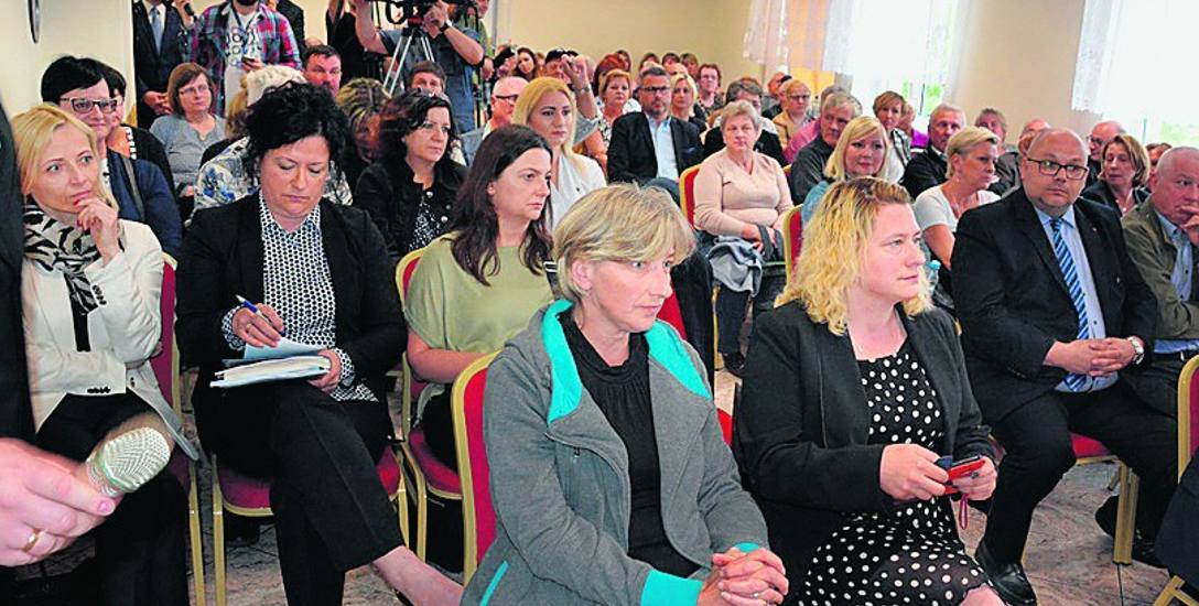 Wczorajsze spotkanie odbywało się przy pełnej sali. Mieszkańcy uznali, że przedstawione przez Pawła Szefernakera propozycje są dla nich korzystne