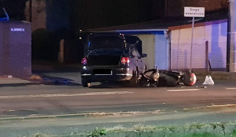 Film do artykułu: Andrychów. Zderzenie motocyklisty z samochodem, dwie osoby zostały ranne