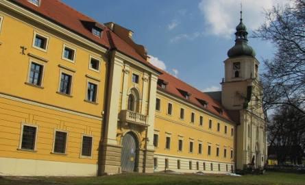 Złodziej ukradł rynny z klasztoru w Pilicy