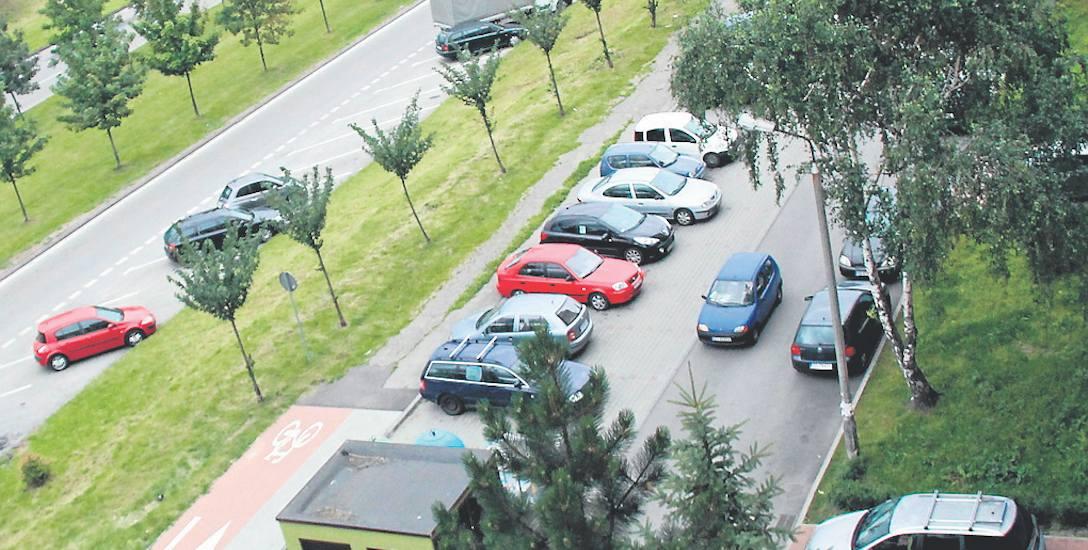 Włamania do samochodów miały miejsce w rejonie ul. Ludowej i Grynia na osiedlu Mydlice