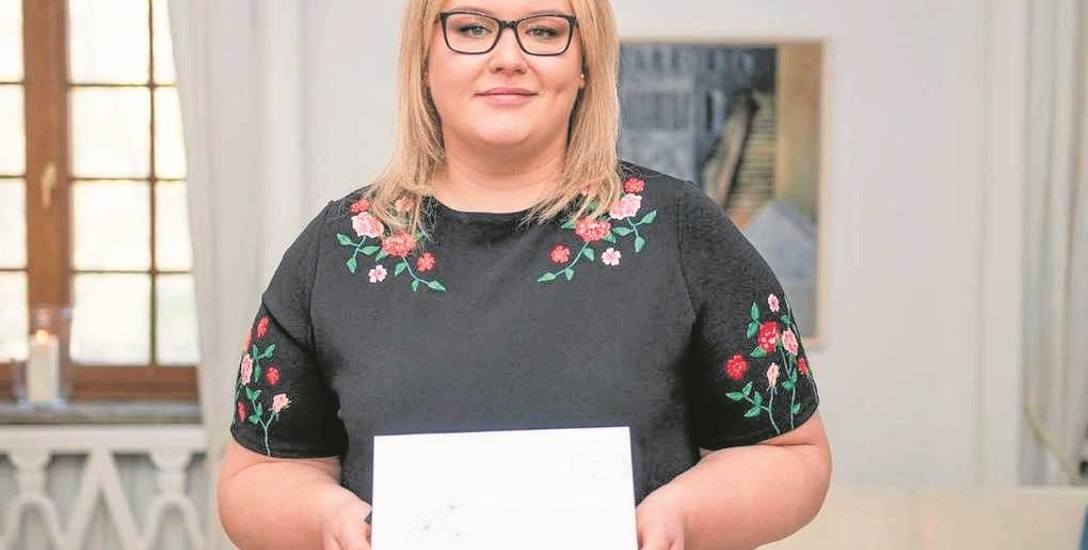 Pani Aldona odebrała nagrodę  w Ambasadzie Szwecji w Warszawie