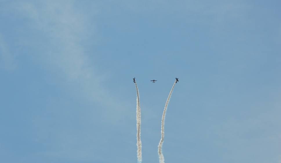 Film do artykułu: Lotnicze święto w Dąbiu. Będą pokazy, skoki spadochronowe, piknik lotniczy