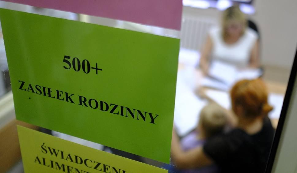 Film do artykułu: Polacy przeciwko 500 plus na każde dziecko niezależnie od poziomu dochodów rodziców
