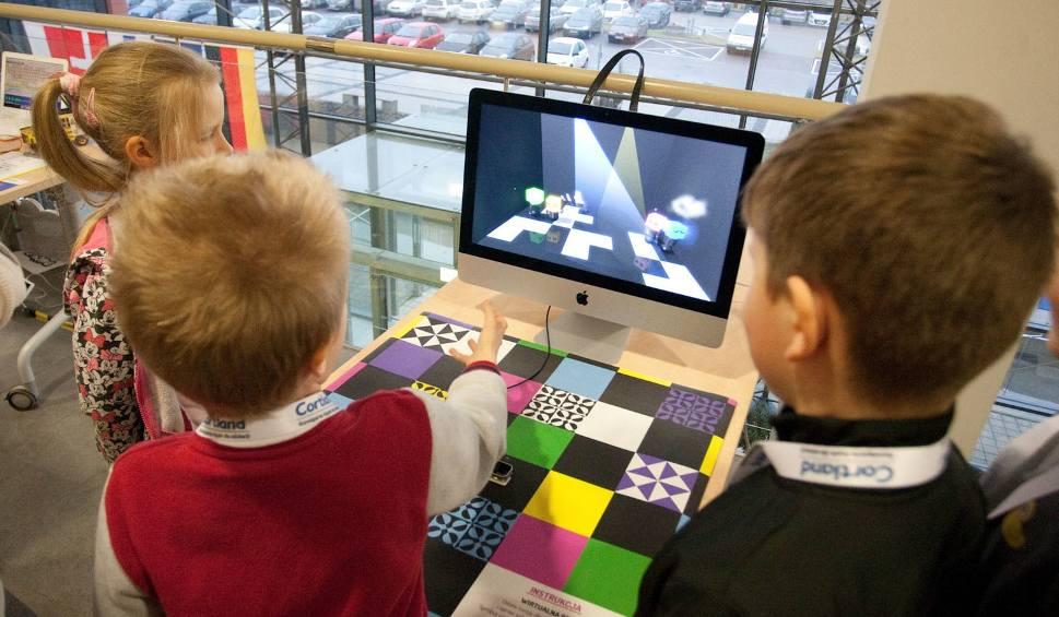 Film do artykułu: Godzina programowania w słupskim Inkubatorze Technologicznym [zdjęcia]