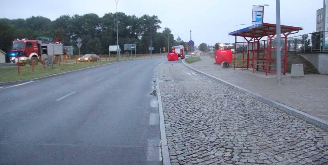 Tragiczny wypadek w Białymstoku. Dwie osoby nie żyją. Kierowca uciekał (wideo)