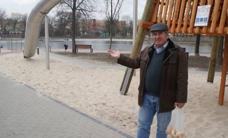 Były radny Marian Góralski jest zadowolony z tego, że niegdyś zdewastowany obszar zmienił się nie do poznania.