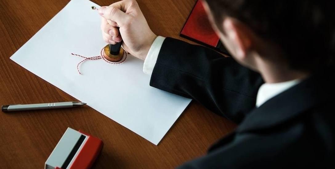 Mafia mieszkaniowa na Pomorzu. Krajowa Rada Notarialna przyjrzy się praktykom ośmiu notariuszy