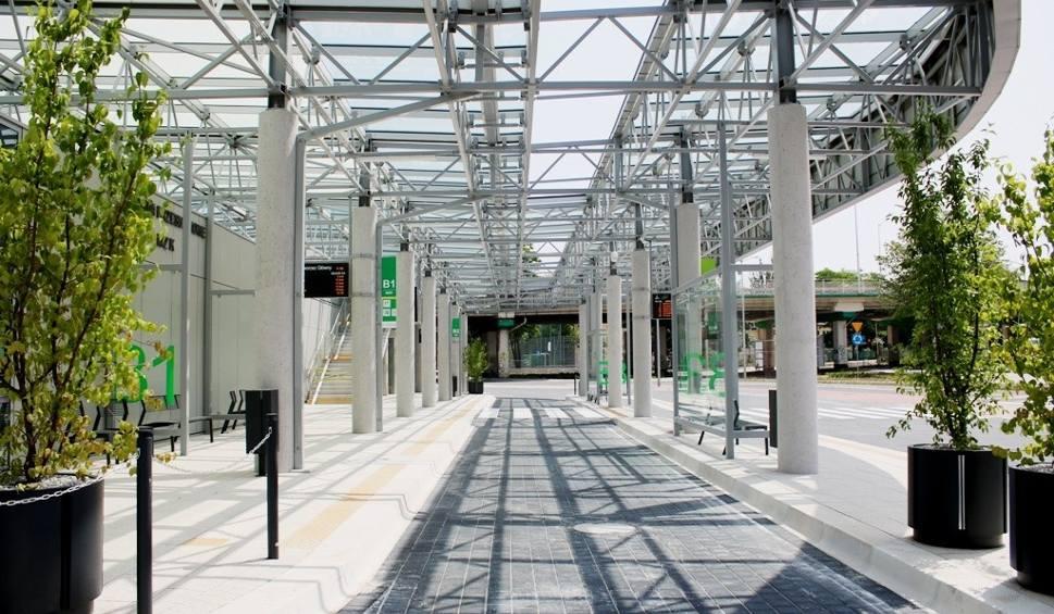 Film do artykułu: Centrum Przesiadkowe w Zielonej Górze gotowe do otwarcia. W poniedziałek, 17 czerwca kupisz już tutaj bilet. Zmieni się też rozkład jazdy