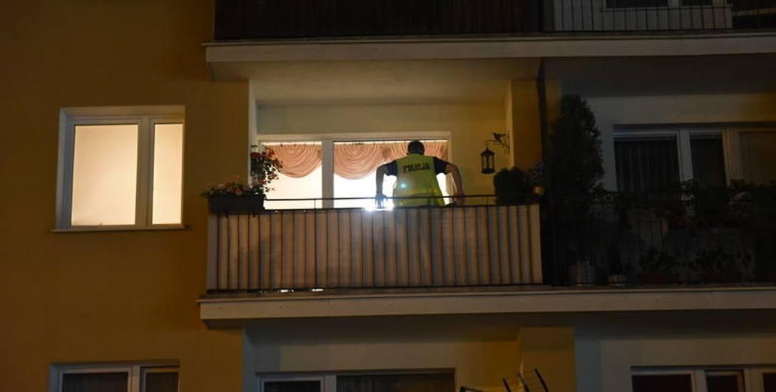 Interwencja policji w jednym z mieszkań na os. Niepodległości zakończyła się próbą zabójstwa funkcjonariusza.