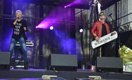 Na świebodzińskich błoniach wystartowała wielka impreza disco polo. Na scenie zagrają topowe gwiazdy disco polo: Piękni i Młodzi, Czadoman, Weekend.