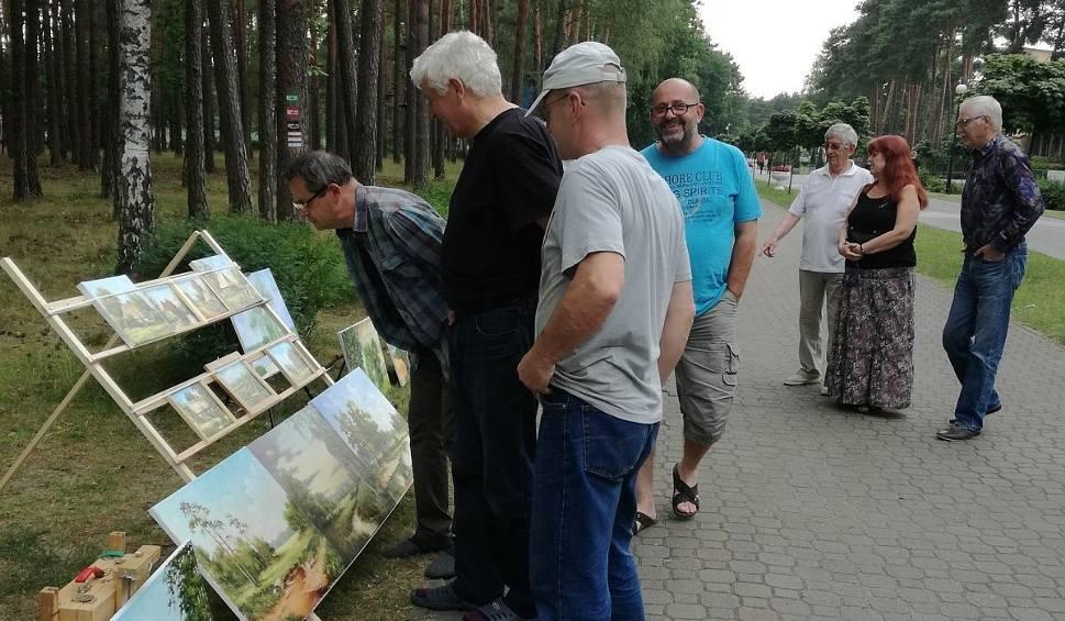 Film do artykułu: Artyści z całej Polski uczestniczyli w Plenerze Artystycznym na Sielpi