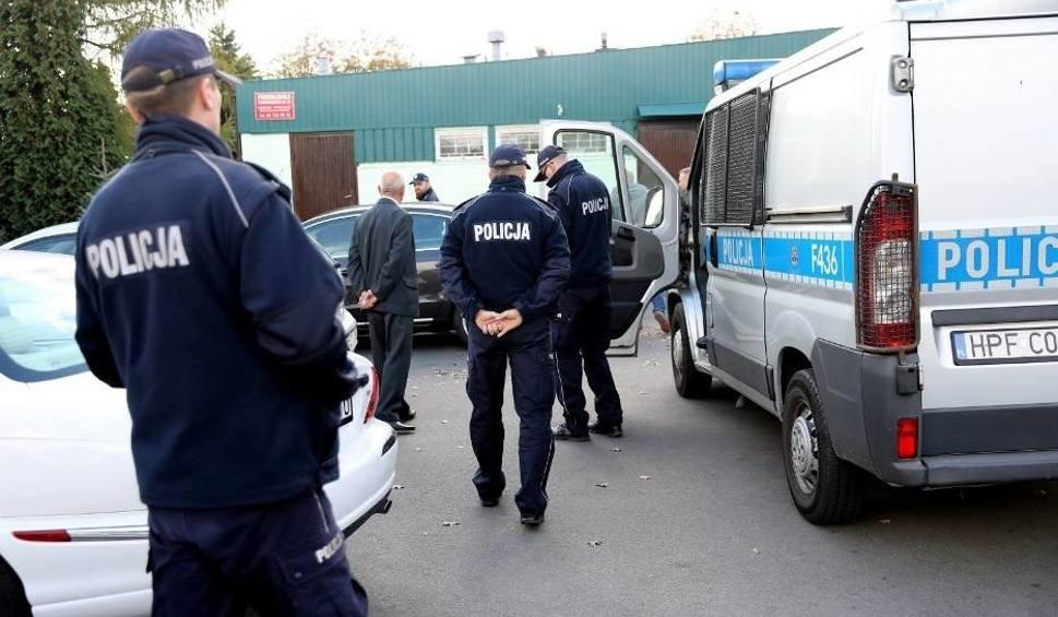 Film do artykułu: Wybory 2018: W Piotrkowie doszło do kupowania głosów? Policja zatrzymała trzy osoby