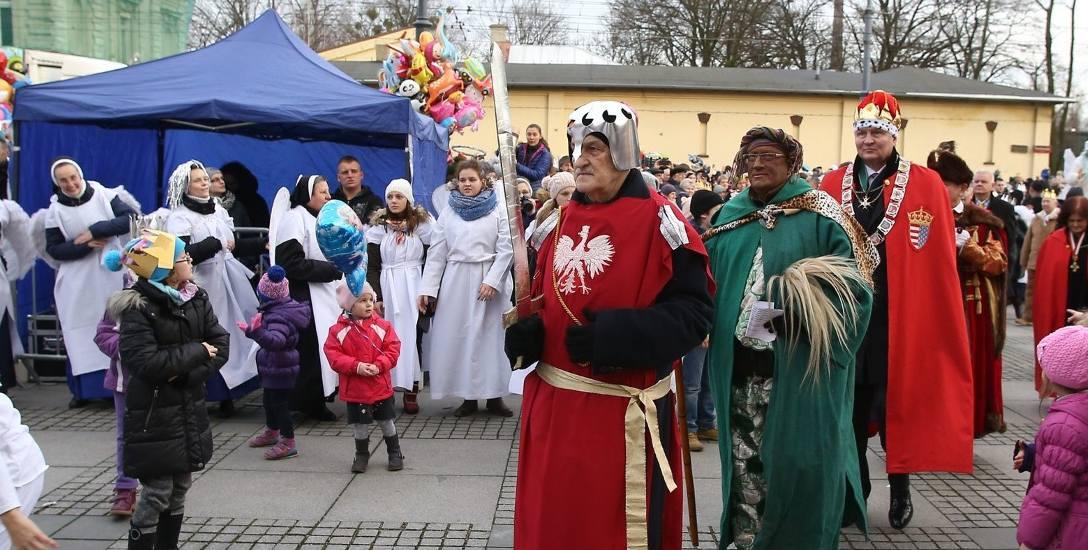 W Orszaku Trzech Króli ulicą Piotrkowską szło nawet 3 tys. osób