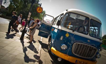 Urząd Miasta Bydgoszczy poinformował, że Zarząd Dróg Miejskich i Komunikacji Publicznej podpisał dziś 3-letnią umowę na obsługę sezonowych linii turystycznych.