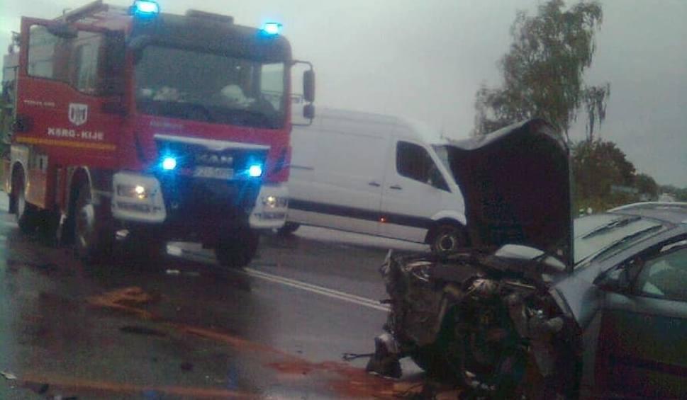 """Film do artykułu: Kraksa na starej """"trójce"""" koło Sulechowa. Zderzyły się dwa auta"""