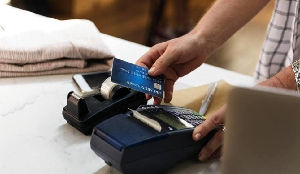 Film do artykułu: Znany bank ostrzega klientów: Kampania oszustów wzywa do zapłaty. Klienci tracą pieniądze z konta! [18.08.2019 roku]