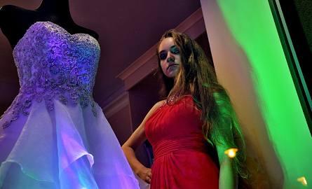 Noc Salonów Ślubnych to impreza organizowana przez salon mody ślubnej Mon Cheri Boutique. Na klientów czekało tego dnia mnóśtwo atrackji: pokazy barmańskie,