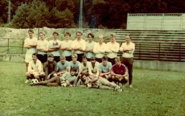 Tak prezentował się zespół Górnika w 1985 roku. Jako pierwszy z prawej w górnym rzędzie stoi trener Edward Socha
