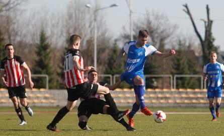 Piłkarze Stali i Resovii będą grać w sobotę na swoich boiskach