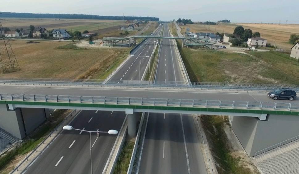 Film do artykułu: Z Krakowa do Warszawy pojedziemy szybciej. Nowy odcinek S7 otwarty