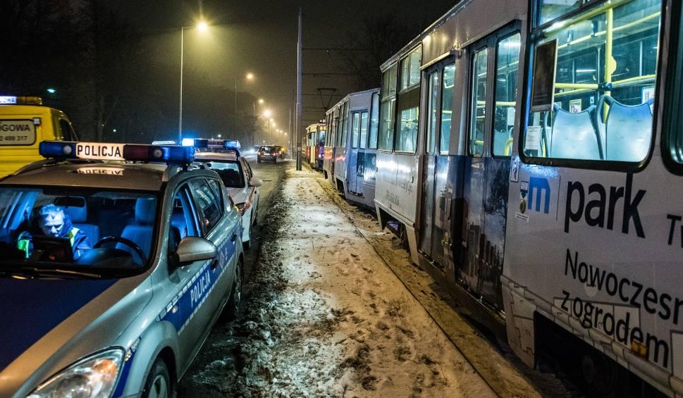 Film do artykułu: Kobieta wpadła pod tramwaj na ul. Szpitalnej w Bydgoszczy