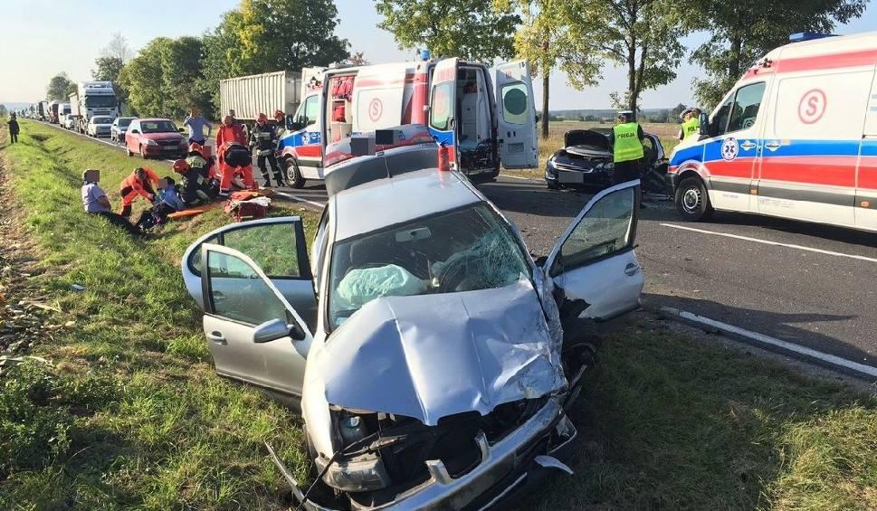 Film do artykułu: Wypadek trzech samochodów na trasie numer 78. Są ranni